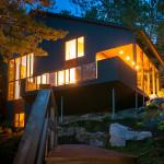 Vue de nuit - maison bois - Anik Pelockuin - Messines - Canada