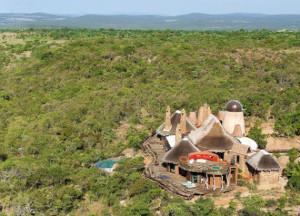 vue-extc3a9rieure-leobo-private-reserve-rech-cartens-architects-afrique-du-sud1