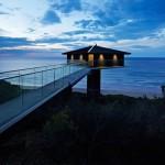 vue extérieure nuit pont et mer - Bluewave- F2 architecture - Australie