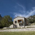 vue façade et montagnes - rénovation - maison traditionnelle - El Bosquet  - espagne - photos Aleix Bagué