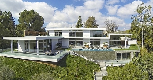 Villa contemporaine par quinn architects holmby hills bel air los angeles californie for Villa a construire
