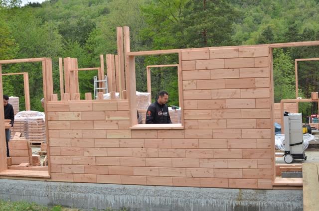 brikawood une brique en bois qui se monte par emboitement sans clous ni vis ni colle. Black Bedroom Furniture Sets. Home Design Ideas