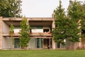 Nuno gra a moura construire tendance - La contemporaine villa k dans les collines de nagano au japon ...