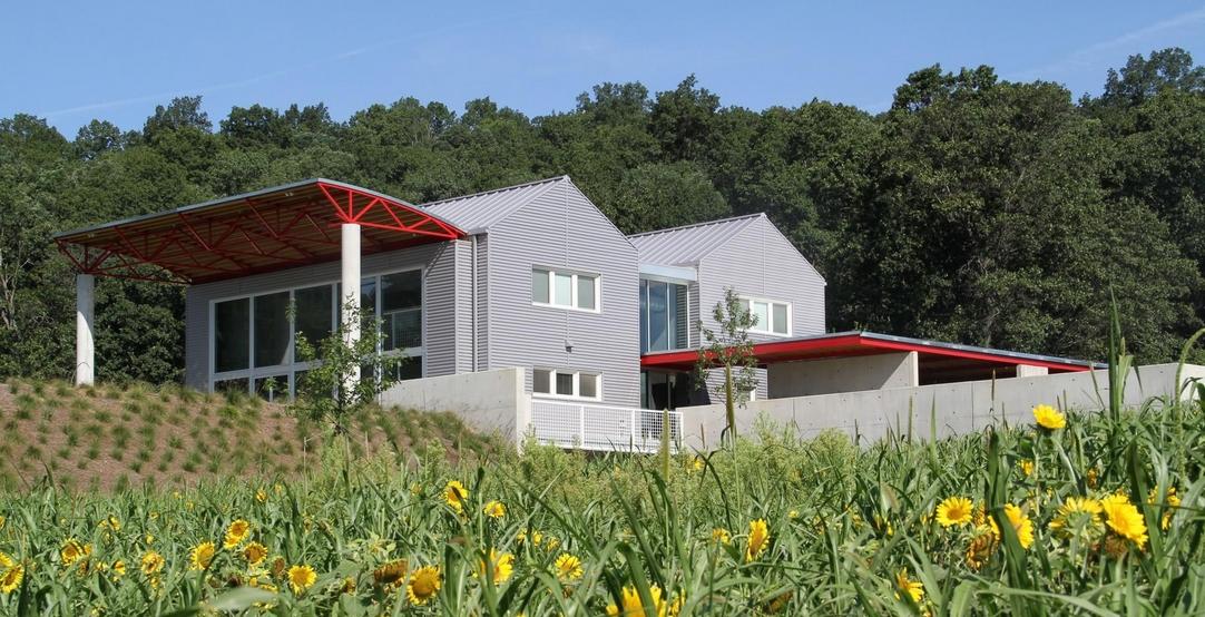 Eugene stoltzfus architects construire tendance - La contemporaine villa k dans les collines de nagano au japon ...