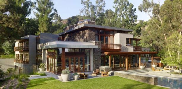 Mandeville canyon residence par rockefeller partners architects los angeles usa construire for Maison contemporaine bois