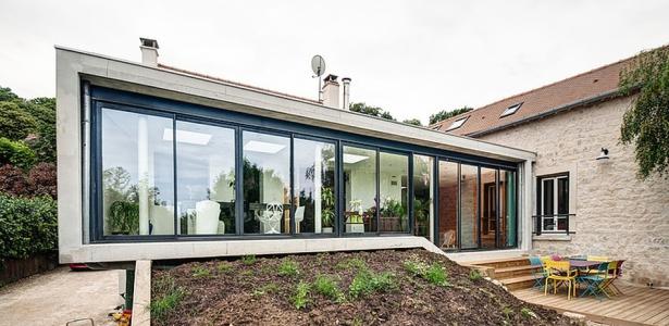 Extension contemporaine et r novation par jean philippe for Extension contemporaine maison traditionnelle