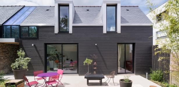 Maison bois contemporaine par cl ment bacle rennes for Petite maison architecte contemporaine