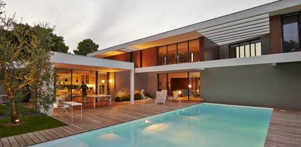 ha 10 villa contemporaine par hybre architecte en gironde france construire tendance. Black Bedroom Furniture Sets. Home Design Ideas