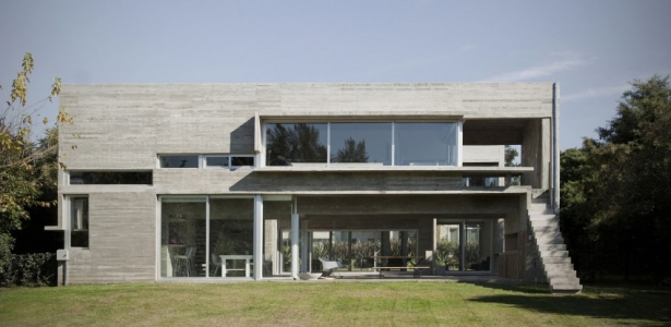 une Torcuato House 615x300