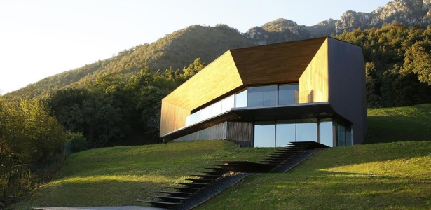 Alps villa par camillo botticini architect brescia for Maison italienne architecture