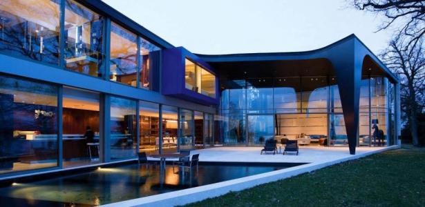 Villa contemporaine afro europ enne par saota gen ve for Maison luxe suisse