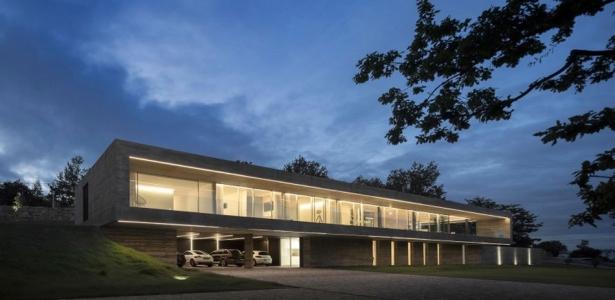 sambade house par spaceworkers penafiel portugal construire tendance. Black Bedroom Furniture Sets. Home Design Ideas