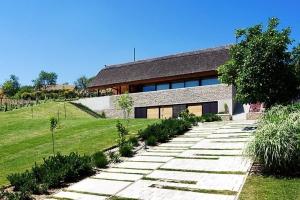 Maison bois et pierre construire tendance - Maison moderne toronto par studio junction ...