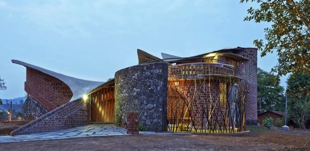 Brick House Par Istudio Architecture Wada Inde Construire Tendance