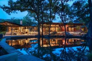 Poet interiors construire tendance - La contemporaine villa k dans les collines de nagano au japon ...