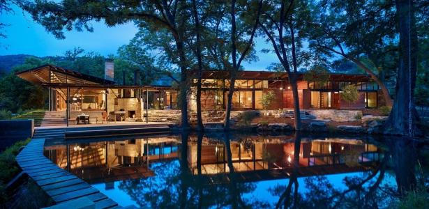 Ranch contemporain en bois et pierre par poet interiors - Maison pierre et acier de style contemporain en australie ...
