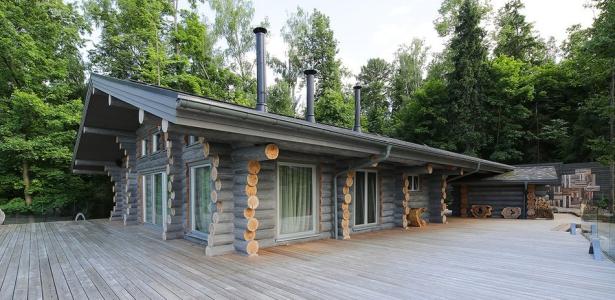 wooden cottage par elena sherbakova pr s de moscou russie construire tendance. Black Bedroom Furniture Sets. Home Design Ideas