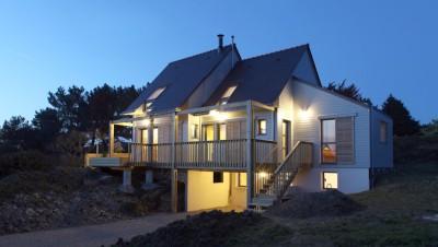 Maison bois bioclimatique par Patrice Bideau - Atypique
