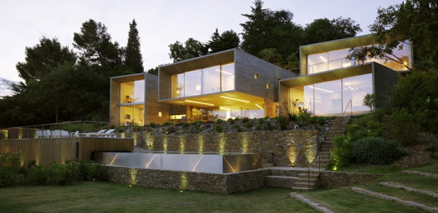 Maison le cap par pascal grasso var france construire for Construction maison contemporaine var