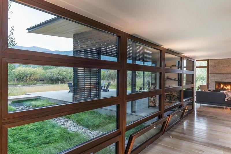 Baie Vitrée Salon - Maison Contemporaine Bois par Carney Logan Burke Architects - Wilson, Etats-Unis