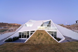 Productora construire tendance - La contemporaine villa k dans les collines de nagano au japon ...