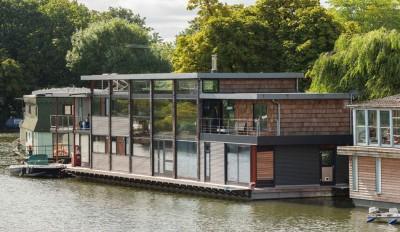 Une- houseboat par MAA Architects