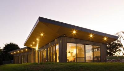 Une-maison bois contemporaine par Finnis Architectes