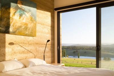 chambre principale & baie vitrée - maison bois contemporaine par Finnis Architectes - Willow Grove, Australie