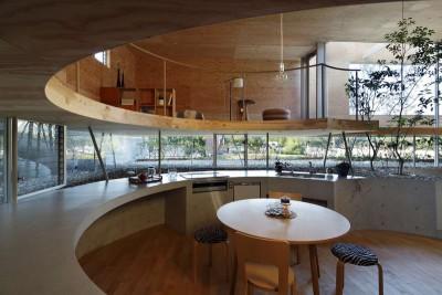 cuisine d'ensemble - pit-house par UID Architects - Okayama, Japon