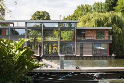 façade principae - houseboat par MAA Architects - Tamise, Angleterre