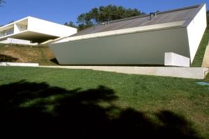 Marvelous Deux Maisons Contemporaines Atypiques Sur Le Versant Du0027une Colline Au  Portugal