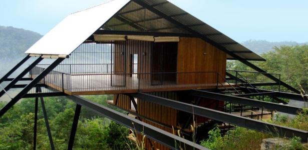 un bungalow tr s exotique en pleine for t tropicale au sri lanka construire tendance. Black Bedroom Furniture Sets. Home Design Ideas