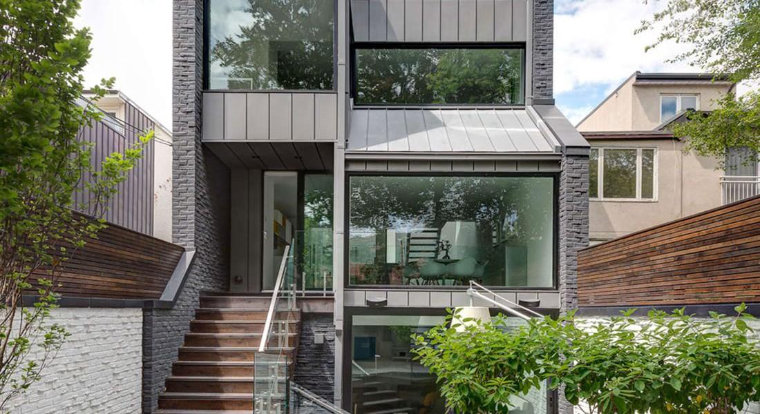 Ancienne résidence urbaine rénovée en maison contemporaine ...