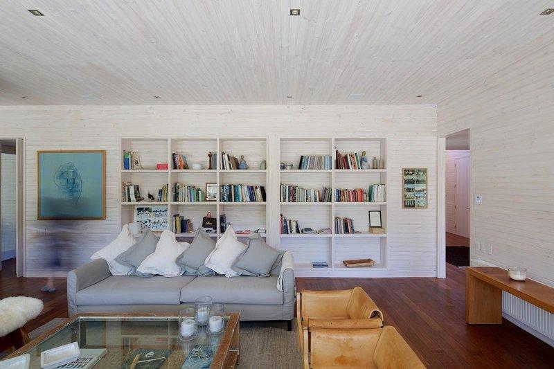 salon & biblithèque - house-10-10-10 par Gonzalo Mardones Vivian, Valparaiso, Chili