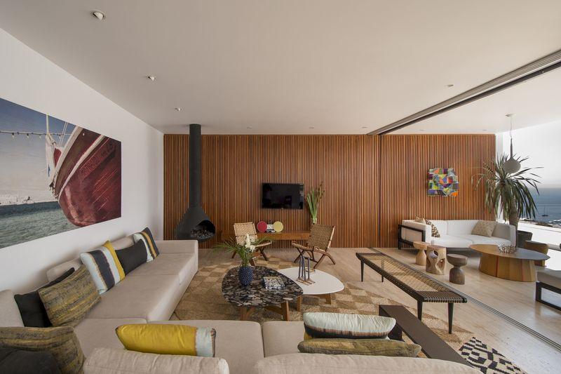 salon & cheminée - villa contemporaine par Adrián Noboa Arquitecto, Malecon Las Colinas, Pérou