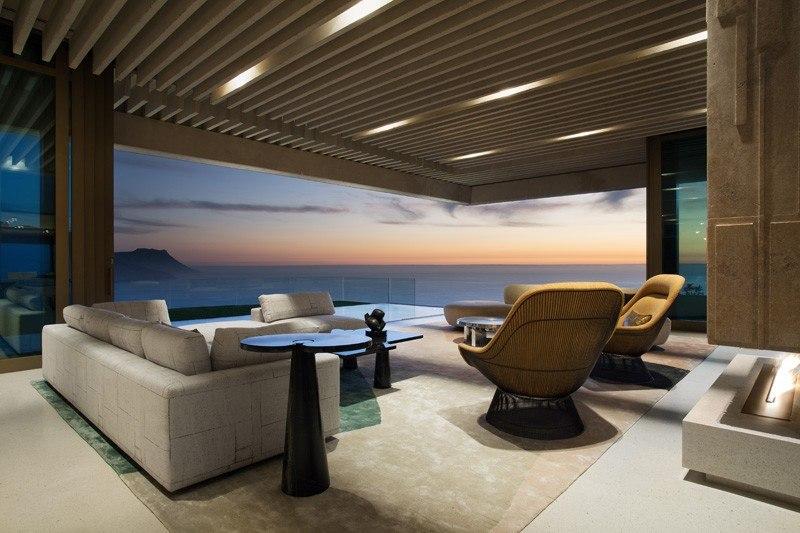 terrasse salon design & vue panoramique sur mer - saota-le-cap par SAOTA - Cap, Afrique du Sud