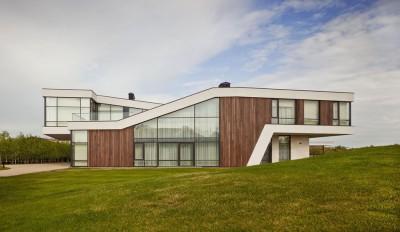 House-of-Piton par PANACOM Architect