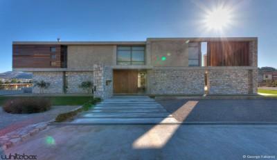 une-Stone-House-par-Whitebox-Architectes