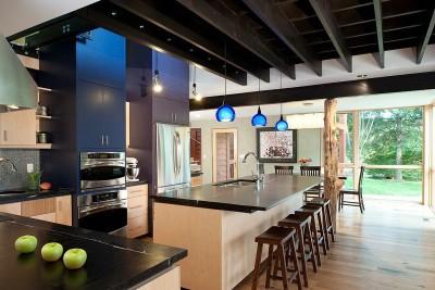 îlot central de cuisine - Virginia Farmhouse par Reader & Swartz Architects - Virginie, USA