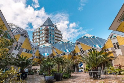 façade jardin - Cube-houses par Piet Blom - Rotterdam, Pays-Bas