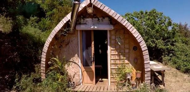 vid o mini maison open source en bois pour mille euros en 100 heures construire tendance. Black Bedroom Furniture Sets. Home Design Ideas
