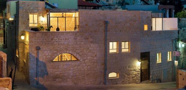 ancienne maison en pierres r nov e de la cave la terrasse en isra l construire tendance. Black Bedroom Furniture Sets. Home Design Ideas