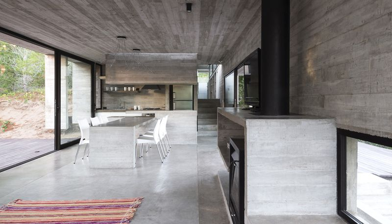 séjour & cuisine - Wein House par Besonias Almeida Arquitectos - Pinamar, Argentine