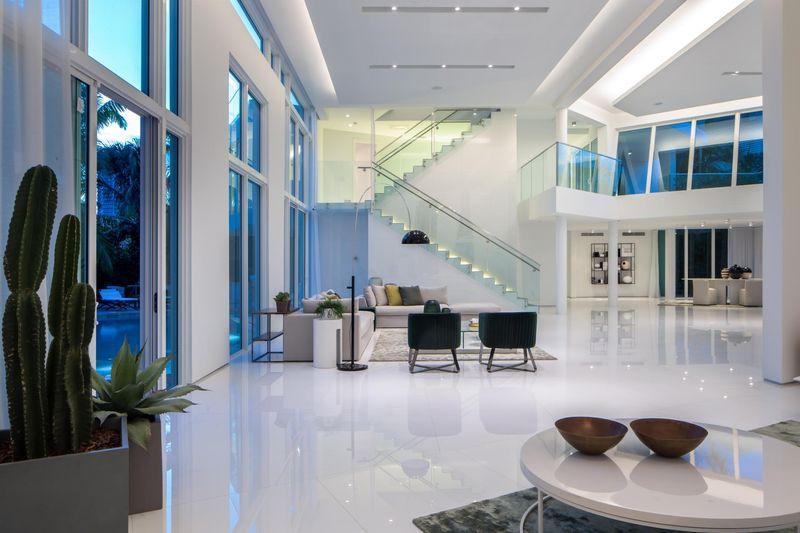 salon - The Ark-480 Ocean Blvd par Relance New York - Floride, USA