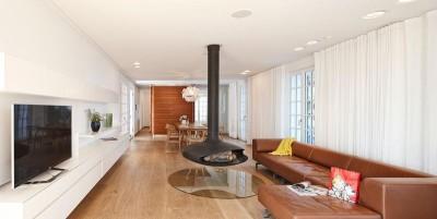 salon & coin TV - villa-le-trident 4a Architekten - Théoule-sur-Mer, France