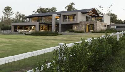 une-House-in-Blair-Atholl-par-Nico-van-der-Meulen-Architectes