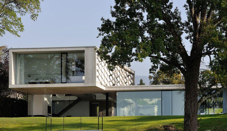 une-maison-bord-lac-par-Pierre-Minassian | Construire Tendance