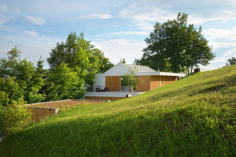 façade colline site - Hillside-Home par Multiplan Arhiteki - Ljubljana,Slovénie
