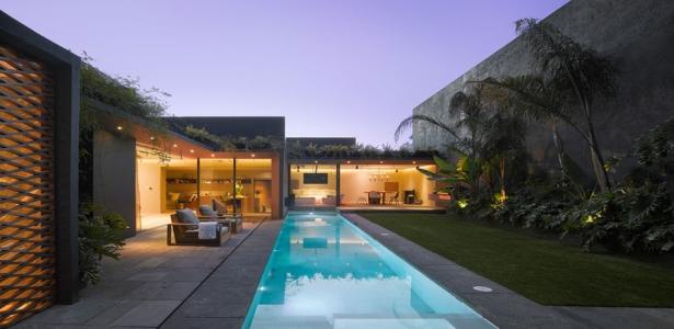 Maison des ann es 1970 r nov e en co construction de luxe mexico construire tendance for Maison 1970 renovation