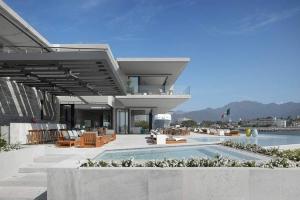 Ezequiel farca construire tendance - La contemporaine villa k dans les collines de nagano au japon ...